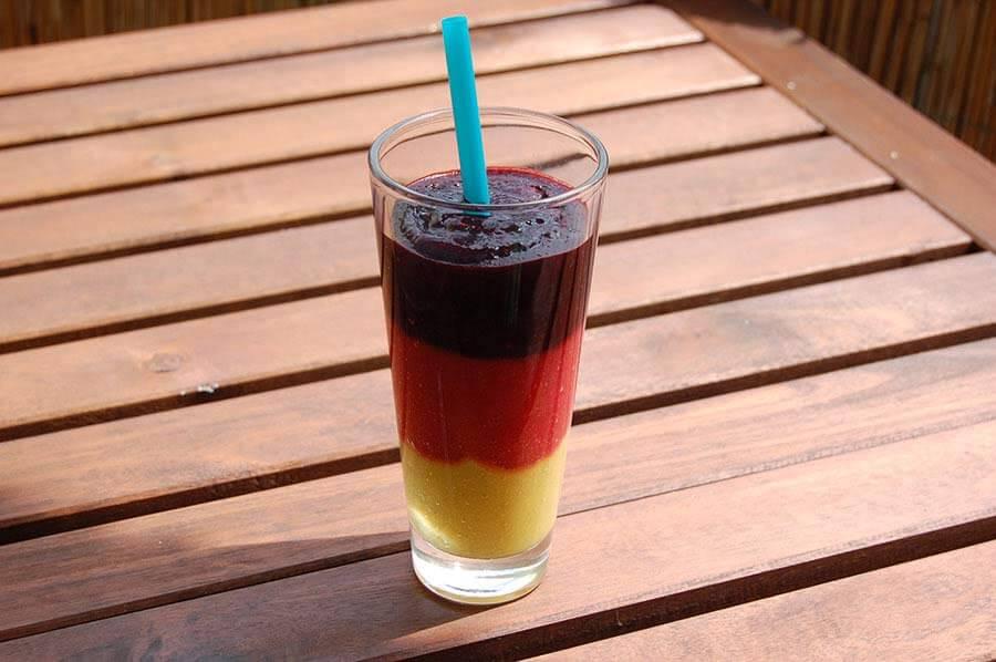 Der Deutschland Smoothie in schwarz - rot - gold - smoothie-mixer.de