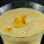 Mango-Eiweiß-Smoothie mit griechischem Joghurt