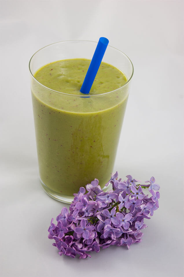 Grüner Smoothie mit Flieder, Photo