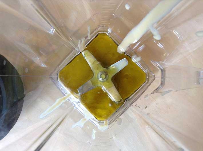 Hummus Zubereitung im Omniblend