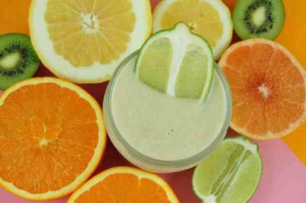 Zitrusfrüchte im Smoothie