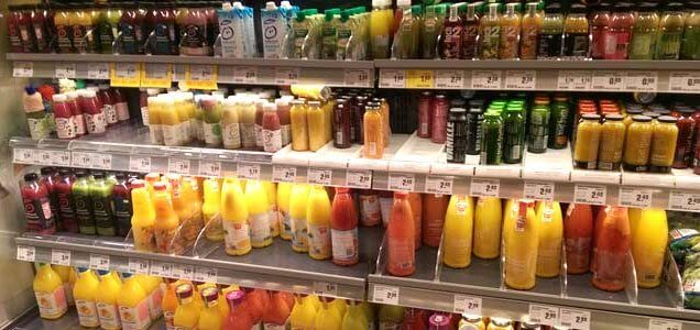 Fertigsmoothies im Supermarkt